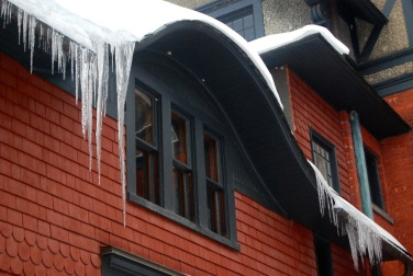 Shelburne Inn icicles